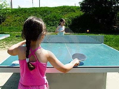 Спортивные игры для дошкольников Игра в настольный теннис